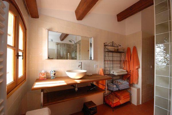 carrelage ivoire salle de bains cuisine fa ence de provence salernes carrelages boutal. Black Bedroom Furniture Sets. Home Design Ideas