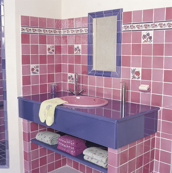 Faience salle de bain rose fushia design d 39 int rieur et for Carrelage fushia